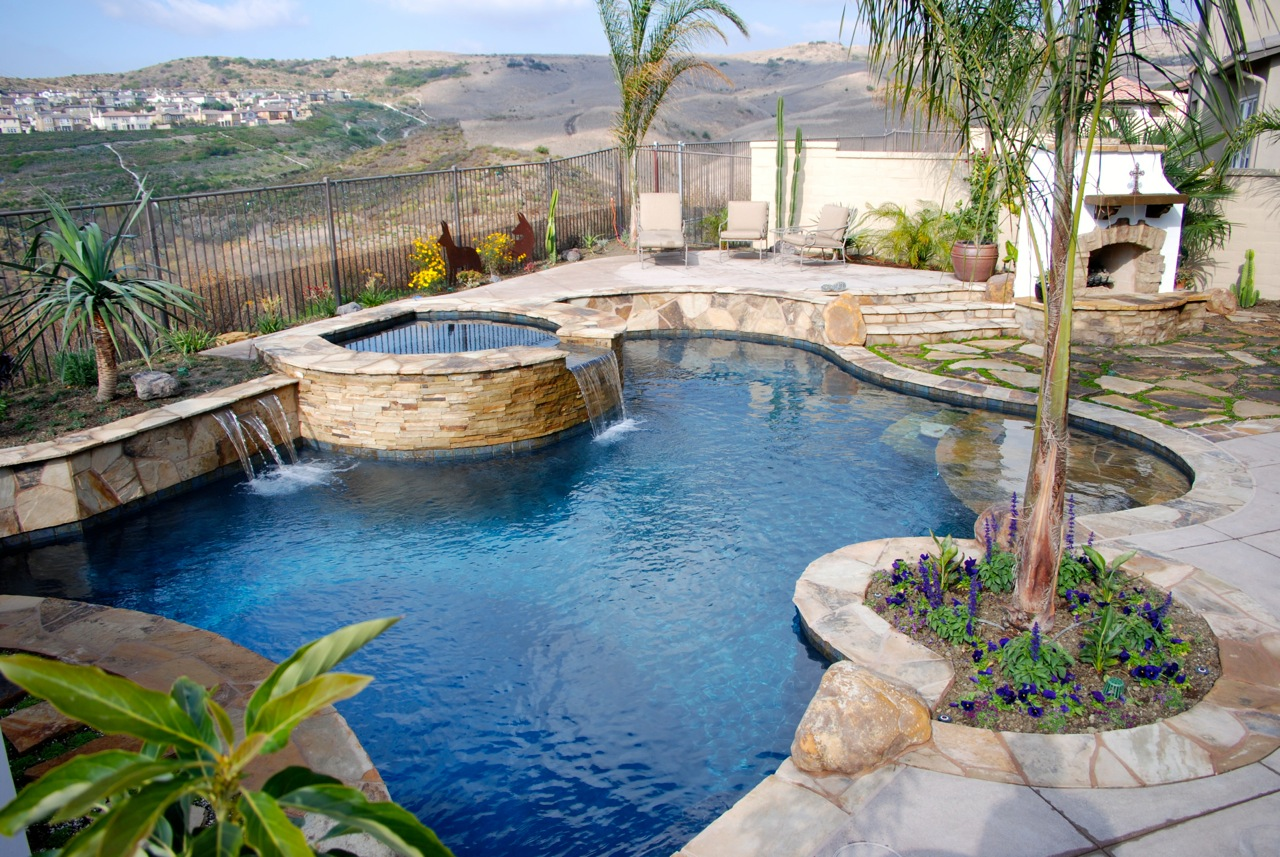 Pool and spas gallery pool contractors in orange county for Pool and spa contractors