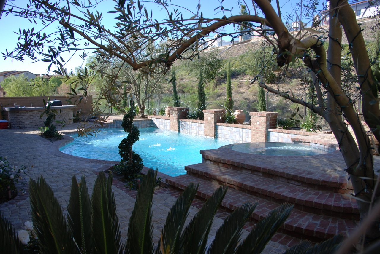Pool and spas gallery pool contractors in orange county for Custom pool and spa