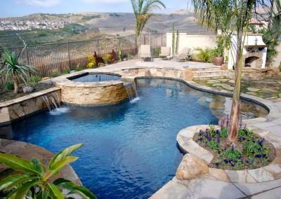 Pool with Raised Spa & Stone Veneer