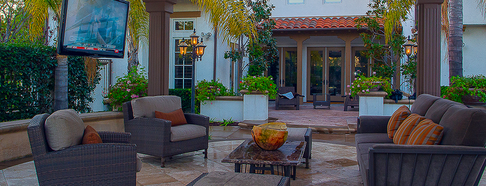 Outdoor Living space in Irvine, CA built by Aquanetic Pools.